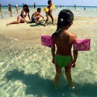 GranSerena Hotel Village children at the sea