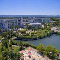 GranSerena Hotel Village pond