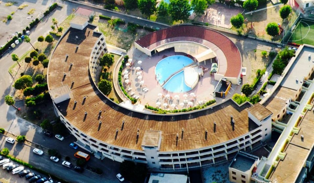 Meta Residence Hotel