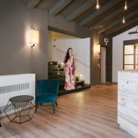 Lake Hotel La Pieve details hall