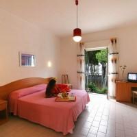 Hotel La Pineta triple room