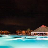 Club Esse cassiodoro pool by night 2