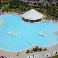 Club Esse cassiodoro swimming pool with pool bar