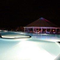 Club Esse cassiodoro pool by night 1