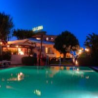 Hotel La Luna night swimming pool