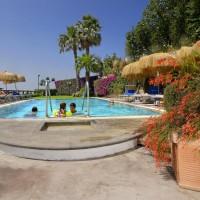 Hotel La Luna swimming pool