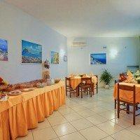 Hotel La Luna breakfast room