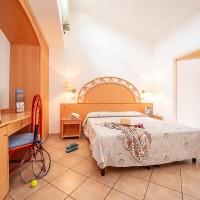 TH Baia degli Achaeans double bed details