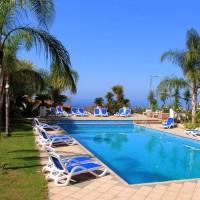 Hotel Arenas swimming pool
